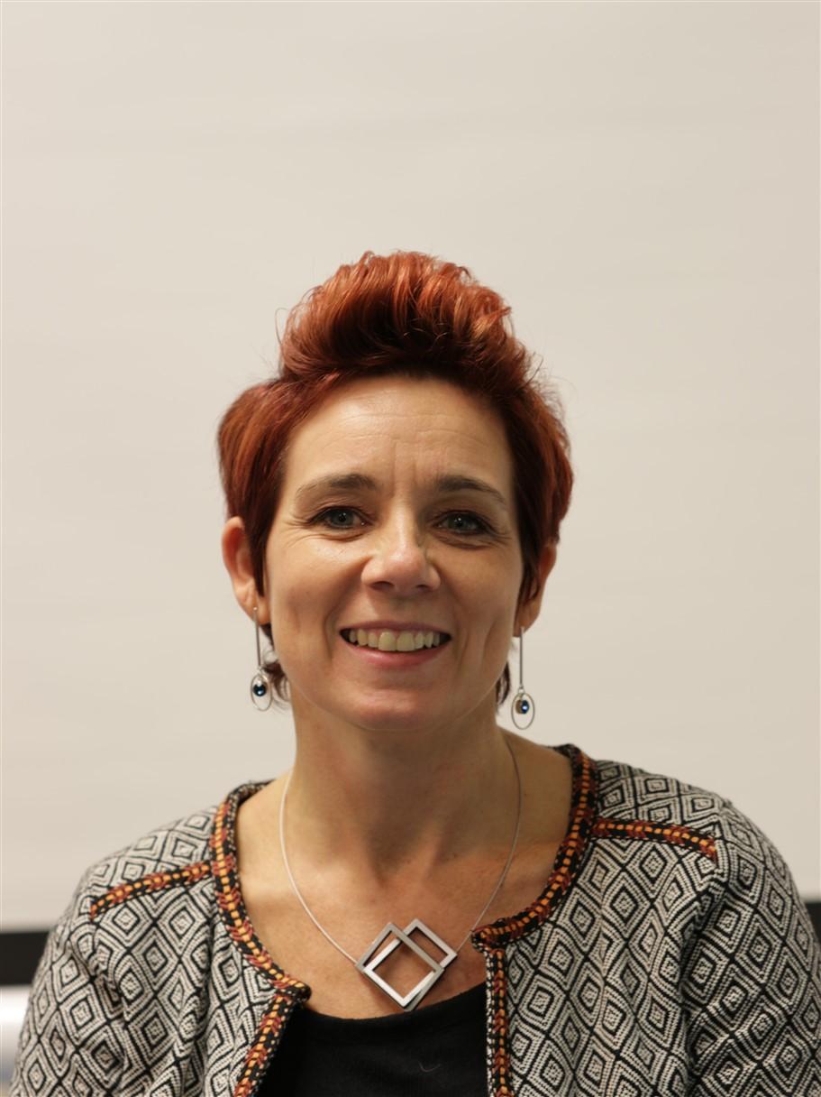 Marjolein van Hout als Dokter Saskia de Ruyter